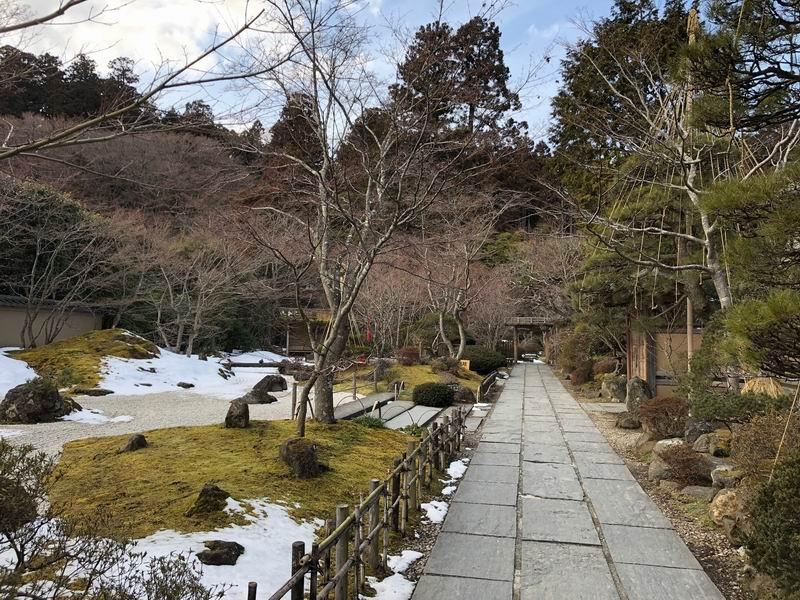 冬の円通院の風景アイフォンX