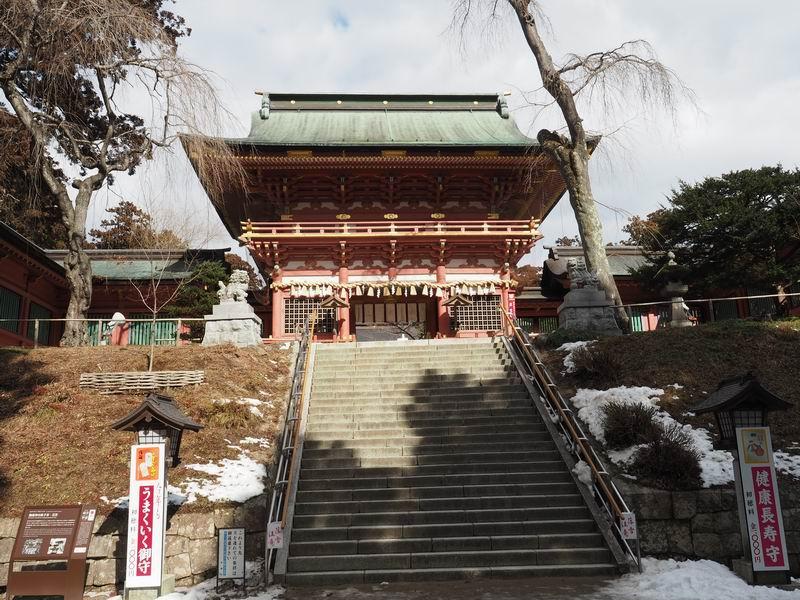 塩釜神社表参道の山門