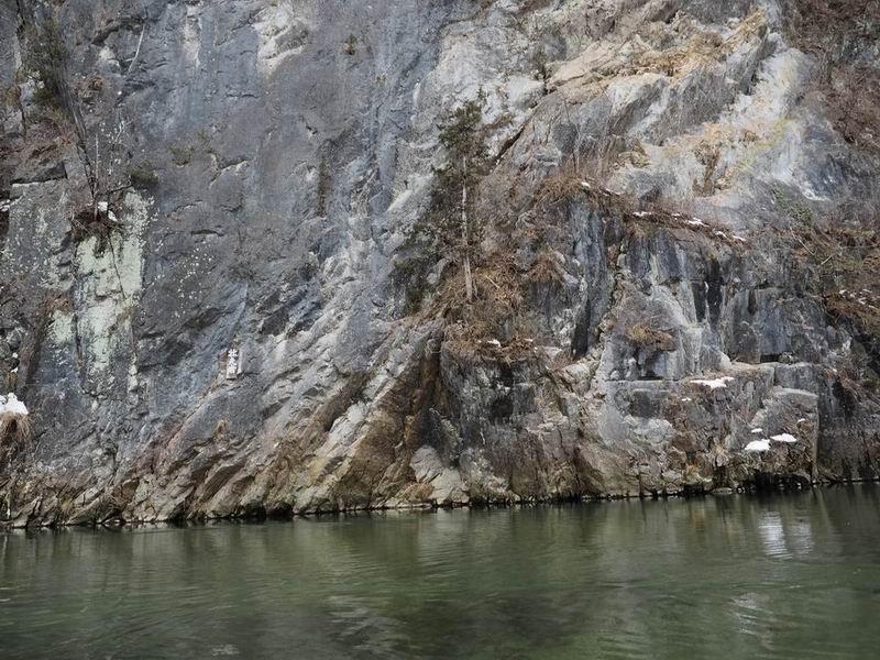 猊鼻渓の冬の風景