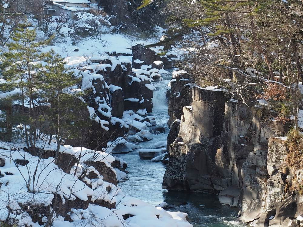 厳美渓の冬の景色の写2