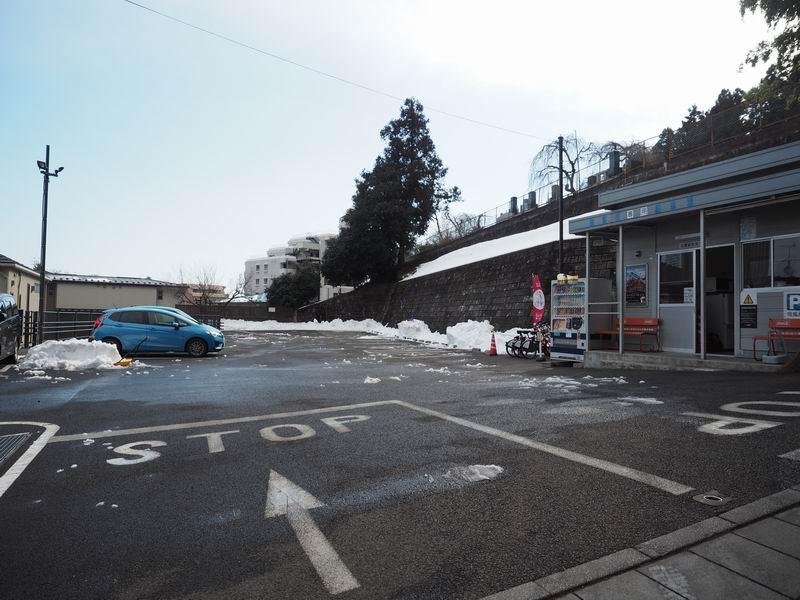 瑞鳳殿の駐車場の入り口