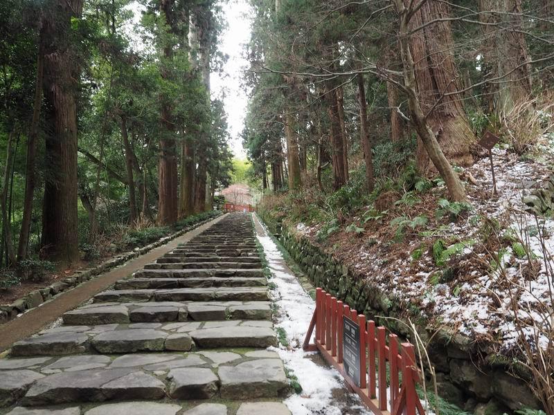 瑞鳳殿の参道の石段風景