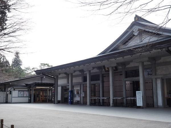 中尊寺のお土産売り場の風景