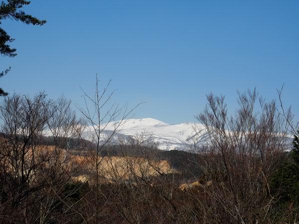 荒砥沢ダムより栗駒山を望む