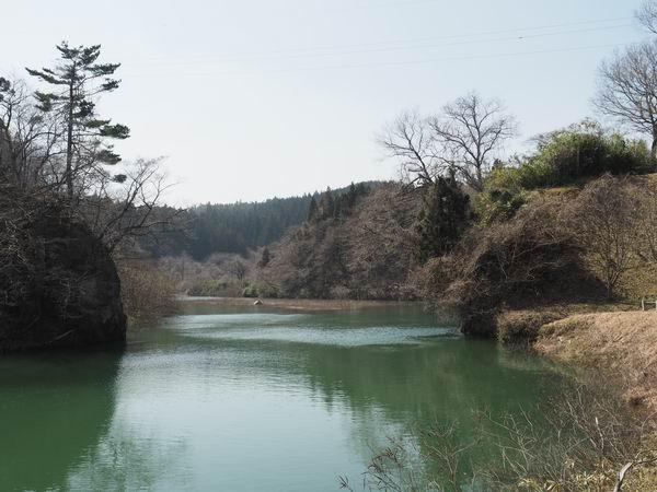 花山湖の上流の風景写真