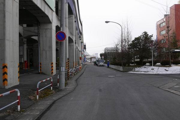 三井のリパークから古川駅を見る