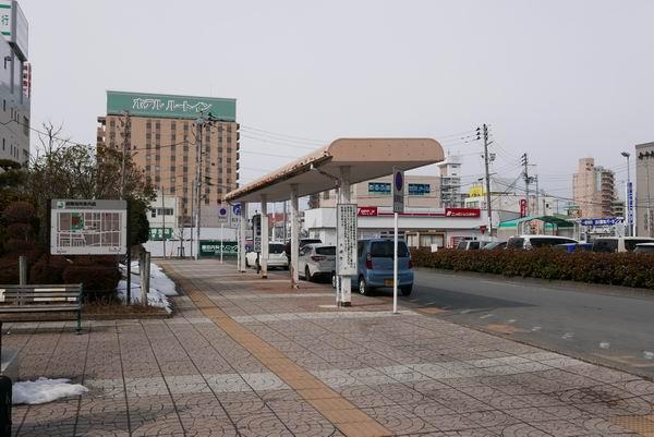 古川駅の一般乗降場所の風景