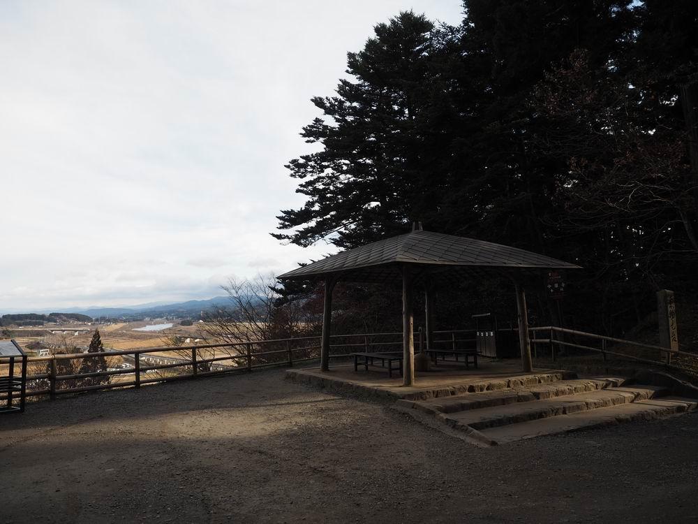 中尊寺本堂手前の東物見台の風景