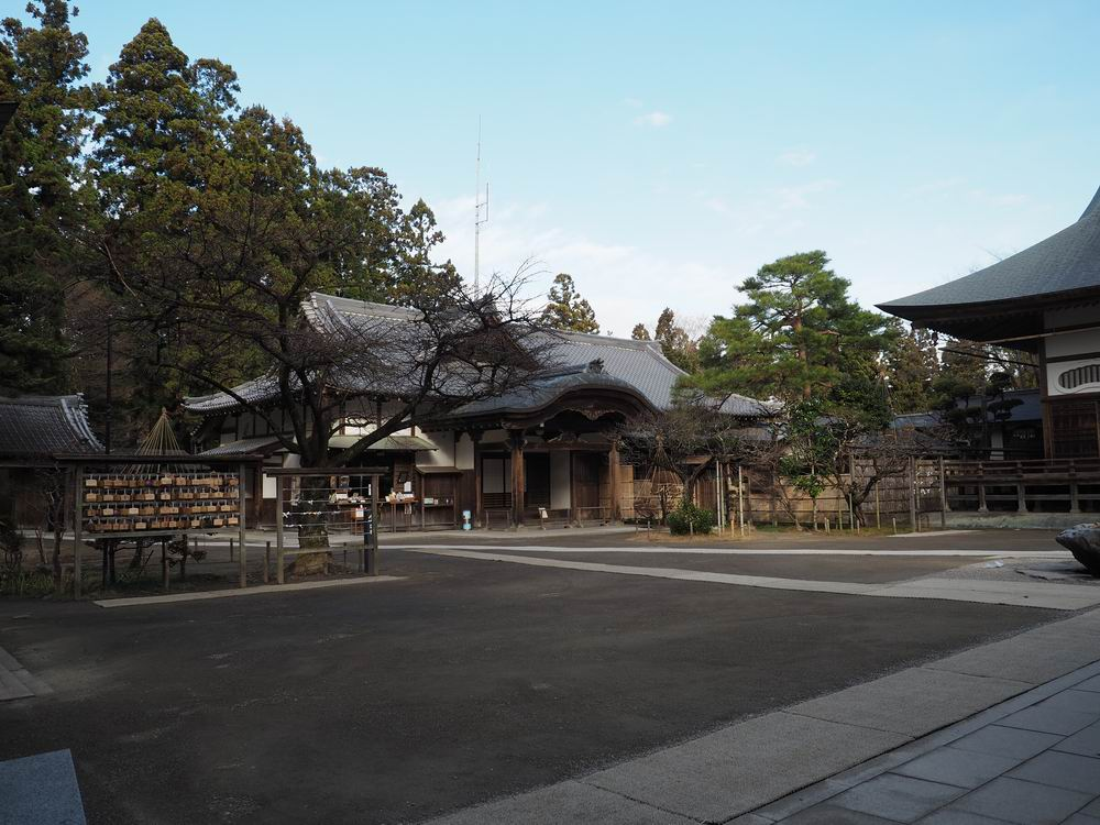 中尊寺本堂全景写真