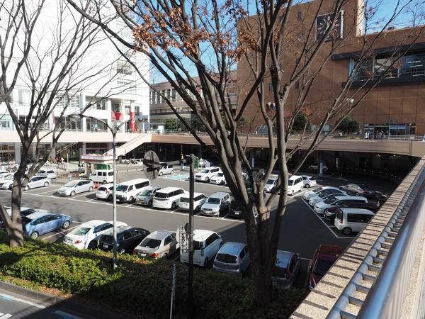 仙台駅西口の構内有料駐車場の風景