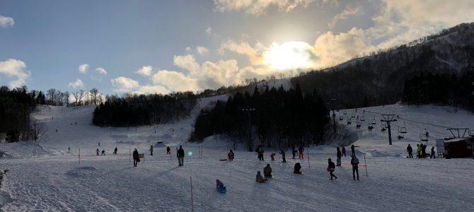 夏油高原スキー場を逆光で撮った風景