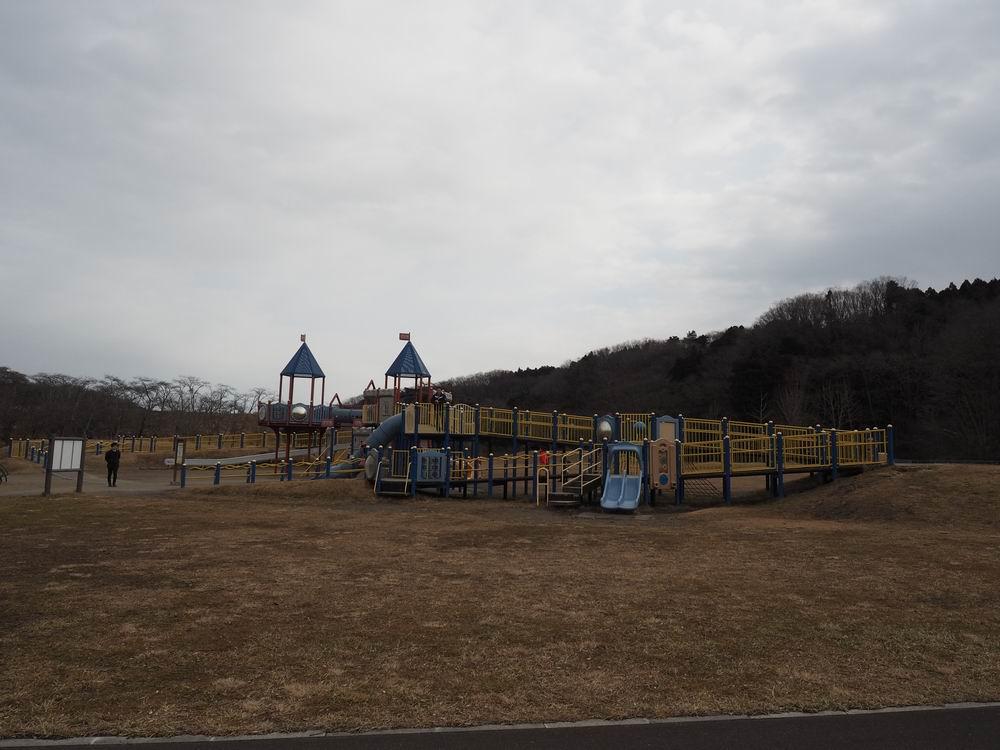加瀬沼公園の遊具の風景4