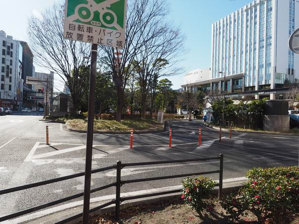 仙台駅東口の一般車両の進入風景