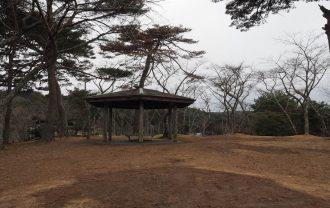 西行戻しの松公園の休み処