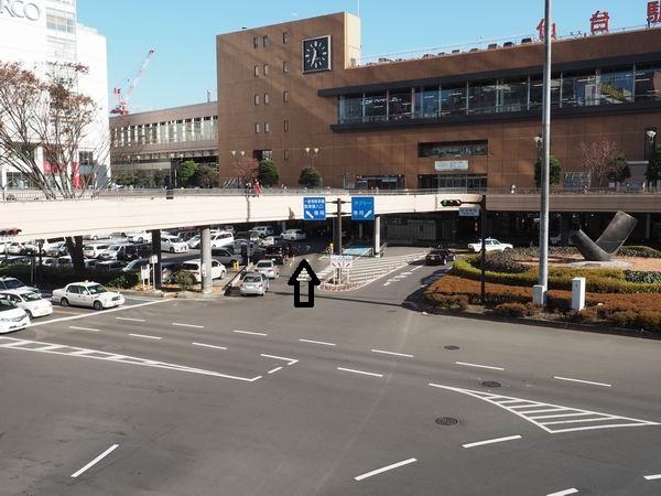 仙台駅西口の一般車両進行方向