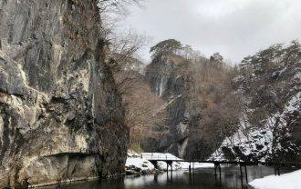 猊鼻渓の風景冬をアイフォンXで撮影