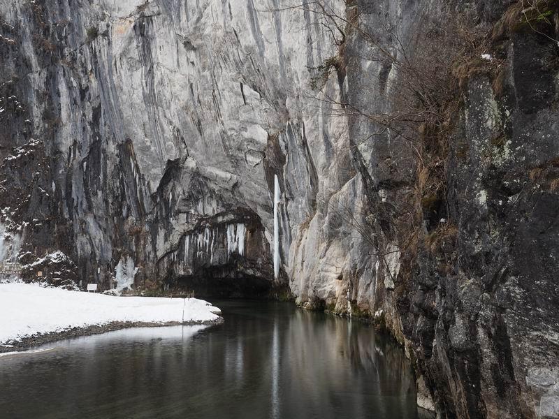 猊鼻渓の舟下りの風景写真1