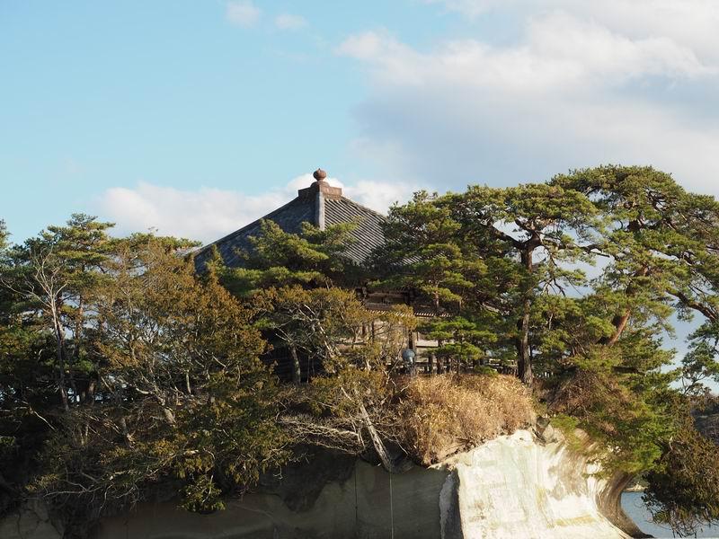 松嶋遊覧船乗り場付近から五大堂を望んだ写真