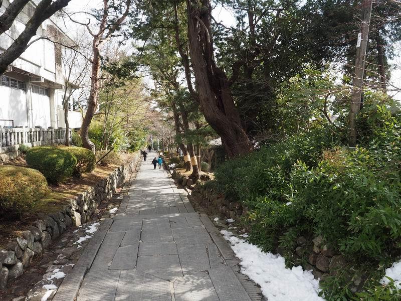 塩釜神社東参道の写真