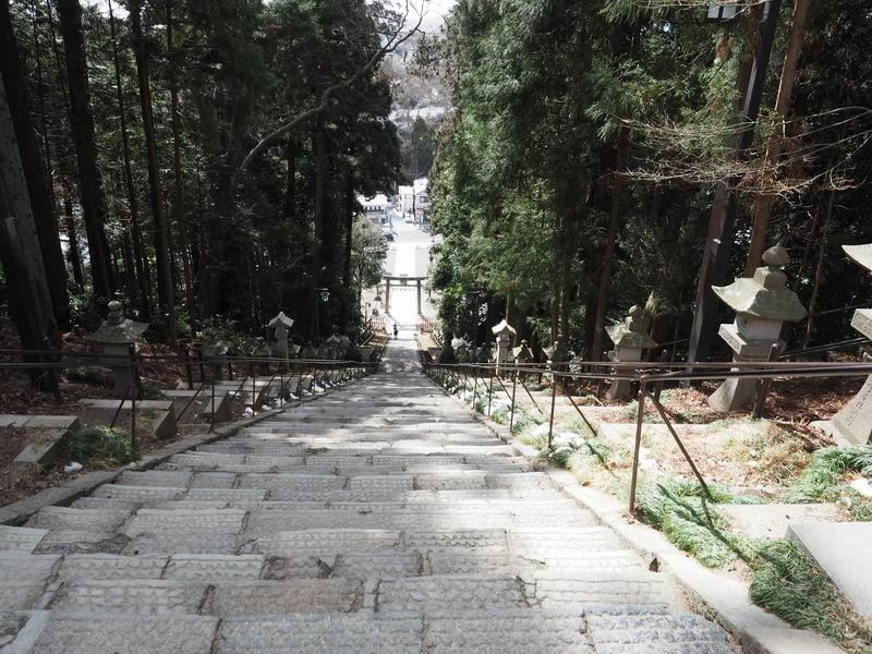 塩釜神社表参道を上から見た写真
