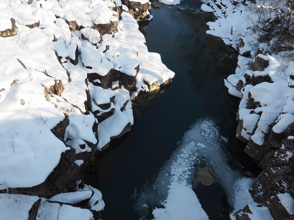 厳美渓の冬の景色の写真1