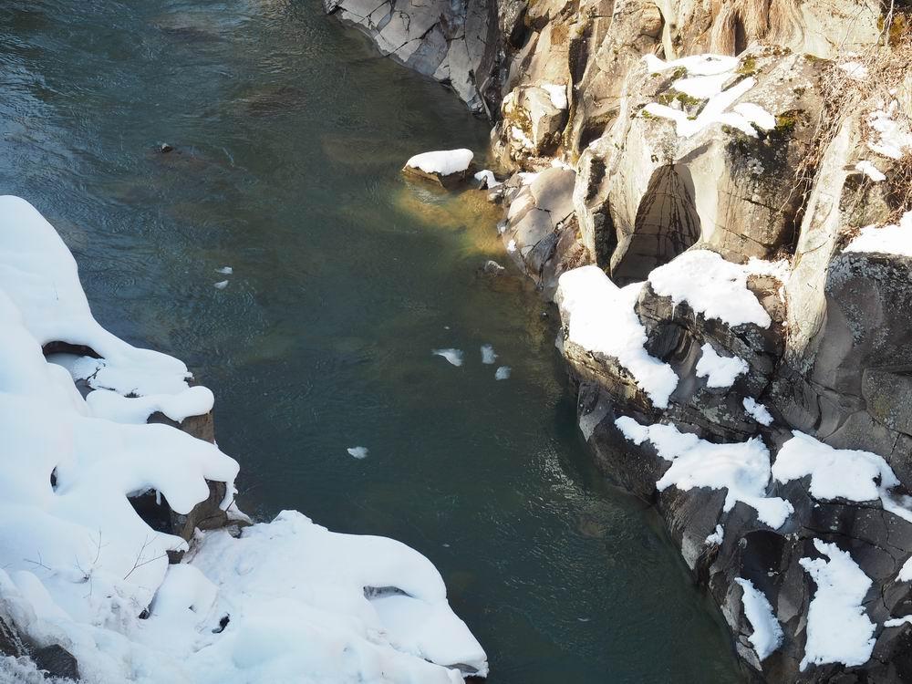 厳美渓の冬の景色の写真4