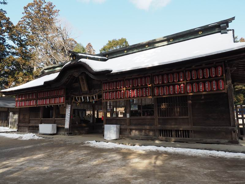 大崎八幡宮の入り口の門の風景