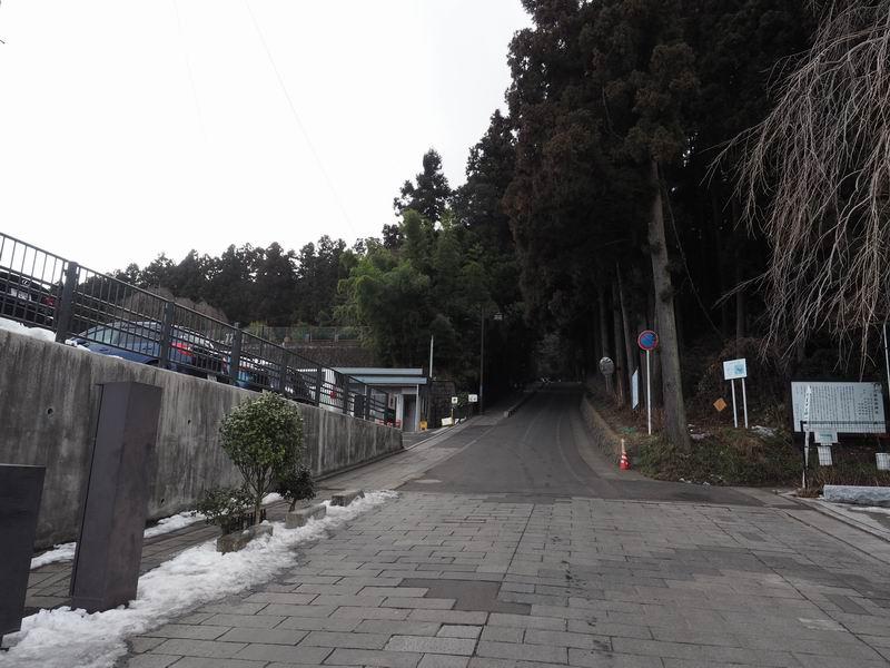 瑞鳳殿への登り口