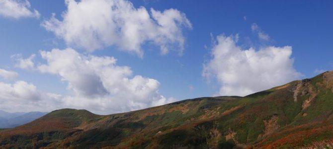 栗駒山の紅葉の風景写真