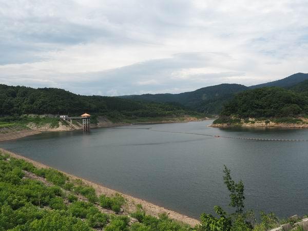 荒砥沢ダムの7月の風景写真