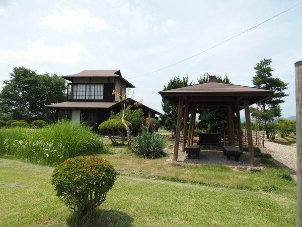 賢治先生の家を正面から見た写真