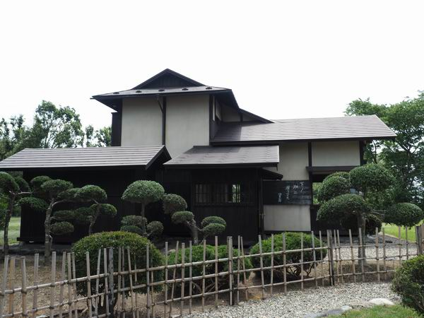 賢治先生の家の下ノ畑ニ居リマスの文字の写真