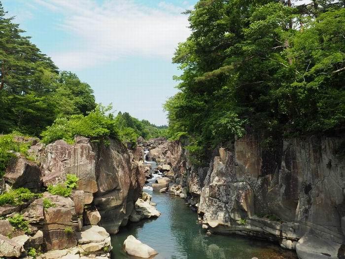 厳美渓の初夏の風景写真