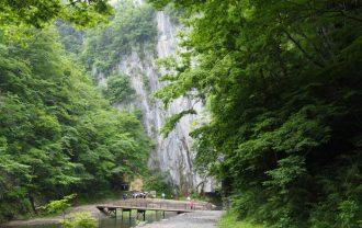 猊鼻渓の舟下り終点附近の遊歩道の終着点附近の写真