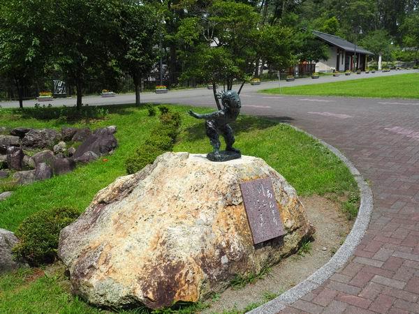 宮沢賢治童話村の入り口付近のモニュメント