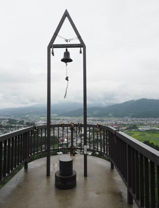 恋人の聖地花咲山展望台の鐘の風景写真