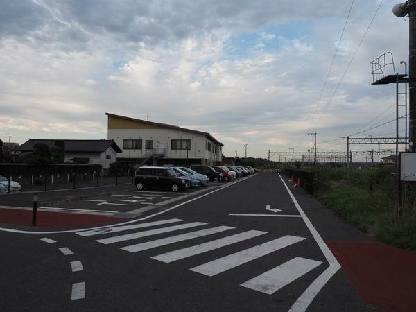 石越駅の無料駐車場の風景写真