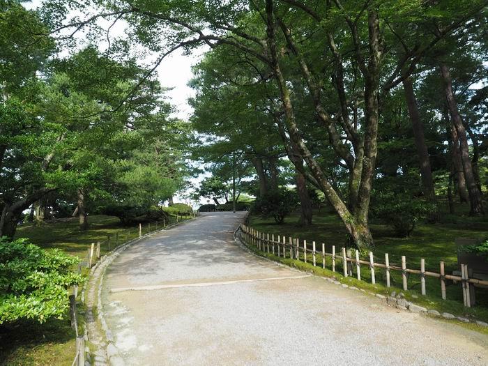 兼六園桂坂入り口から入園の風景写真