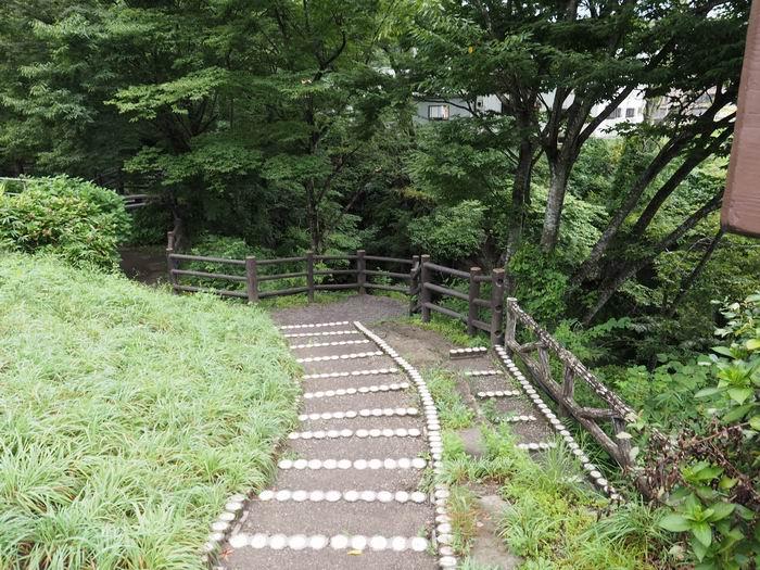 磊々峡の遊歩道の写真