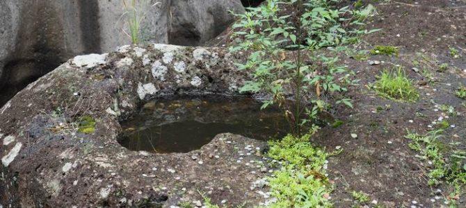 恋人の聖地磊々峡の石に刻まれたハートマーク