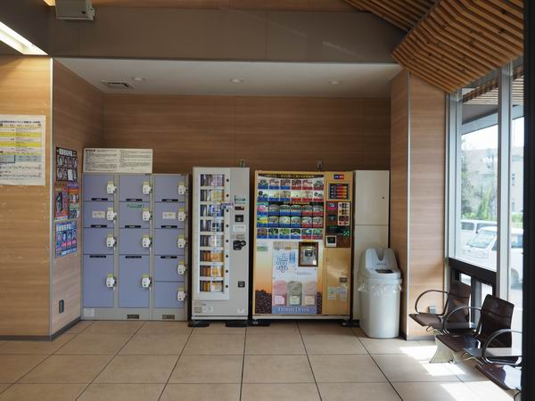 JR東北本線松島駅のコインロッカーの風景写真
