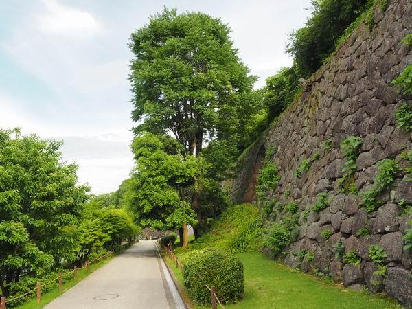 金沢城の石垣の風景写真