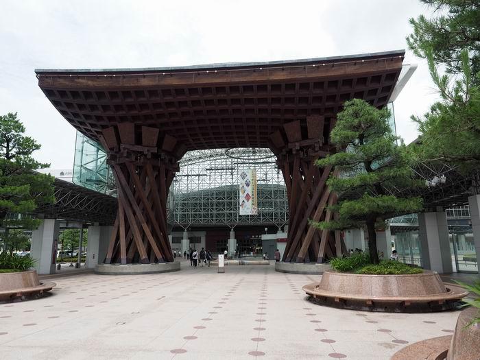 金沢駅の鼓門の風景写真