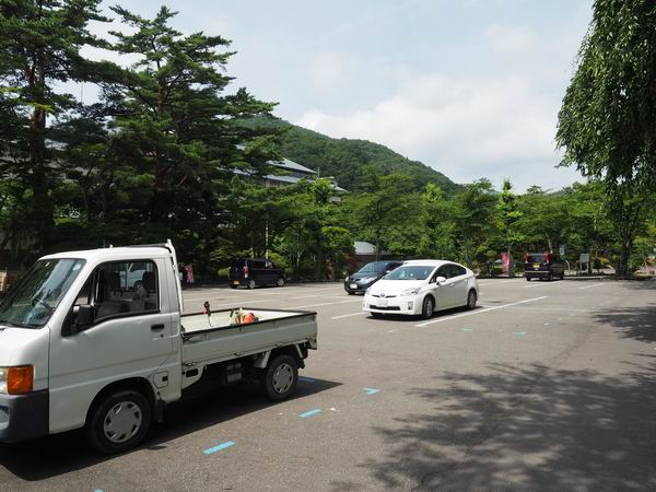 花巻温泉バラ園の駐車場の写真