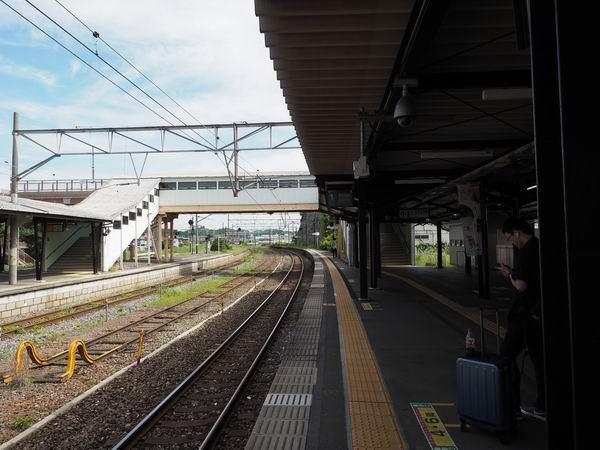 松島駅の乗り場の風景写真