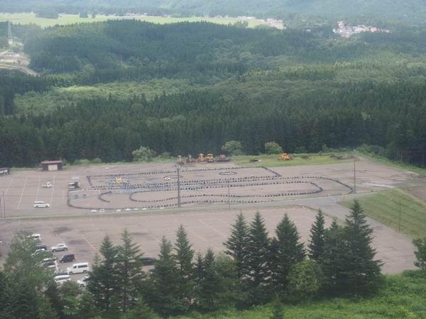 リゾートパーク鬼首の駐車場の風景写真