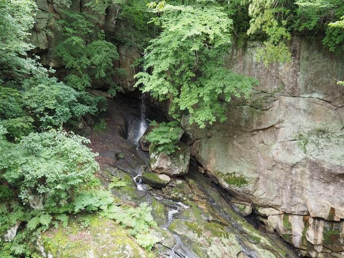 磊々峡の滝の風景写真