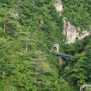 鳴子峡の陸羽東線のトンネルの風景写真