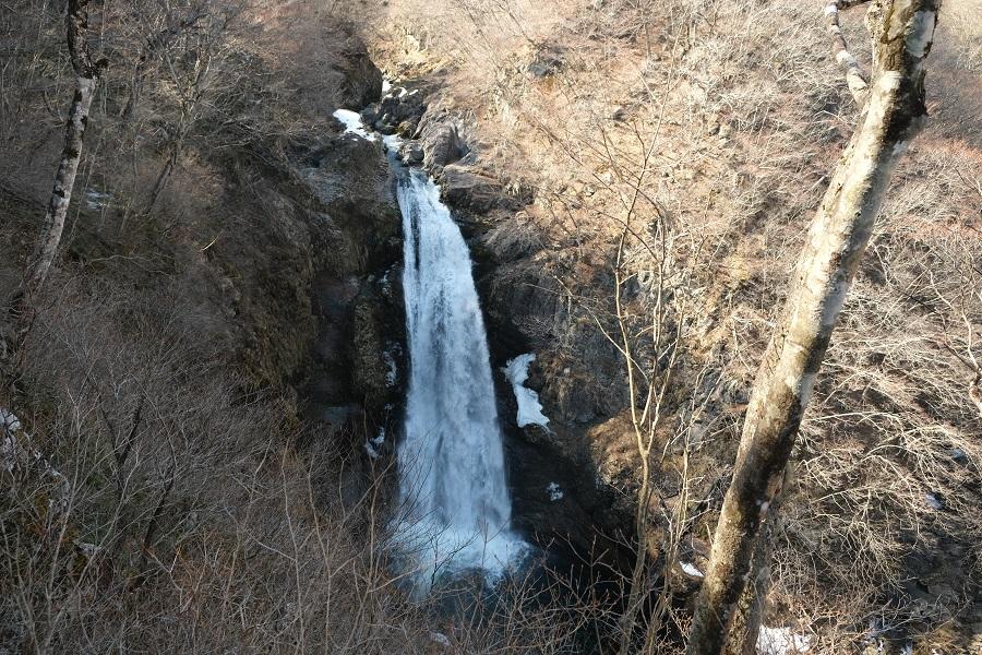 xt3で撮影する秋保大滝の冬の風景写真上から見た秋保大滝の風景写真