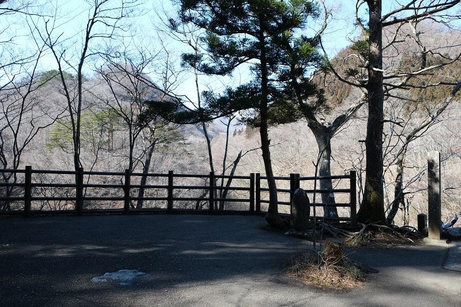 xt3で撮影する秋保大滝の冬の風景写真滝見台の風景写真